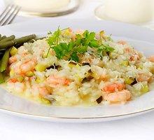 Daugiaryžis su daržovėmis ir krevetėmis