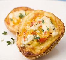 Įdarytos bulvių puselės