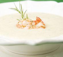 Bulvių ir salierų kreminė sriuba su krevetėmis