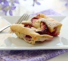 Biskvitinis slyvų pyragas