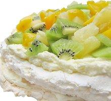 """""""Pavlova"""" su egzotiniais vaisiais"""