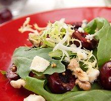 Gaivios vyšnių salotos