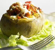 Kumpiu įdarytos bulvės