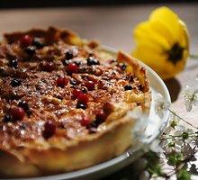 Kopūstų pyragas su spanguolėmis