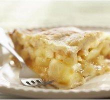 Tirpstantis burnoje obuolių pyragas