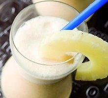 Ananasų frapė