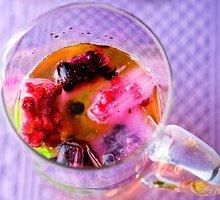 Putojantis pipirmėčių ir imbierų gėrimas
