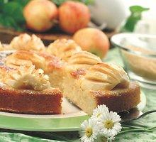Ukrainietiškas obuolių ir varškės pyragas