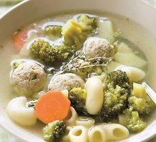 Brokolių sriuba su veršienos kukuliukais