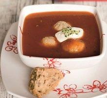 Pomidorų sriuba su žuvų kukuliais