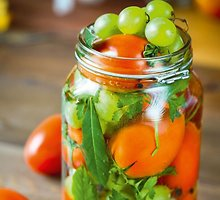 Pomidorai su vynuogėmis
