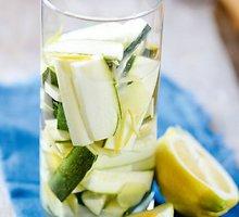 Marinuotos citrinų skonio cukinijos