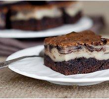 """Bananų ir """"brownie"""" sūrio pyragas"""