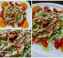 Nuostabiai gaivios salotos su kepta vištiena ir apelsinais
