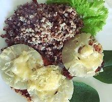 Vištienos kepsneliai su konservuotais ananasais