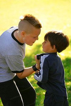 Visuomenės sveikatos biuro nuotr./Šiuolaikinėje visuomenėje agresijos tarp vaikų nestinga.