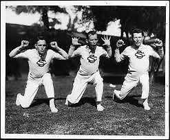 Aistringi šokėjų pasirodymai jau seniai tapo neatsiejama įvairių sporto varžybų dalimi ir sirgalius džiuginančiu reginiu.