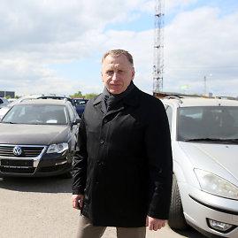 Eriko Ovčarenko / 15min nuotr./Kauno automobilių turgaus vadovas Valentinas Naujanis