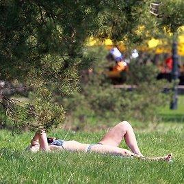 Irmanto Gelūno/15min.lt nuotr./Šiluma maloniai džiugino ištroškusius saulės ir šilumos.