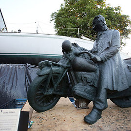 Eriko Ovčarenko/15min.lt nuotr./Originalaus dydžio skulptūros maketas iš plastelino