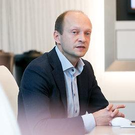 """Juliaus Kalinsko / 15min nuotr./""""Swedbank"""" vyriausiasis ekonomistas Nerijus Mačiulis"""