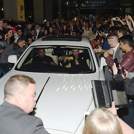 "AFP/""Scanpix"" nuotr./Conorą McGregorą visur lydi apsauga"