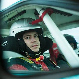 """Komandos nuotr./""""Flameris Racing-ENEOS"""" treniruotės Pernu trasoje"""