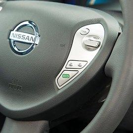 """""""Eco"""" mygtukas ant vairo leidžia maždaug 10 proc. padidinti įveikiamą atstumą"""