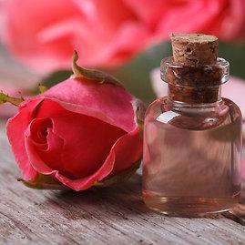 """""""Shutterstock"""" nuotr./Rožių aliejus"""