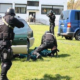 VST nuotr./VST pareigūnai per pratybas