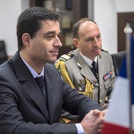 Alfredo Pliadžio nuotr./Krašto apsaugos ministro ir Prancūzijos ambasadoriaus susitikimas