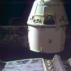 """""""Scanpix""""/AP nuotr./""""SpaceX"""" kosminė kapsulė """"Dragon"""""""