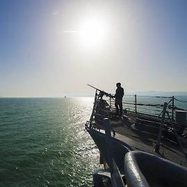 """""""Scanpix""""/""""Sipa USA"""" nuotr./JAV eskadrinis minininkas """"USS Ross"""""""
