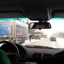 Lauros/15min.lt skaitytojos nuotr./Apvirtęs sunkvežimis