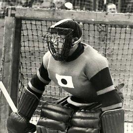 Taip Teiji Honma saugojo savo akinius 1936 m.