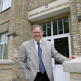 STT pareigūnai vakar atliko kratas V.Matkevičiaus vadovaujamoje mokykloje.