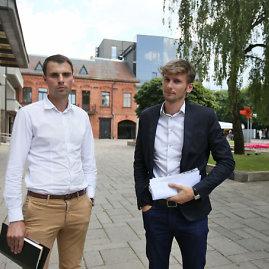 Eriko Ovčarenko/15min.lt nuotr./Naktinių klubų savininkai Andrius Lavrinavičius (kairėje) ir Daivaras Judinas