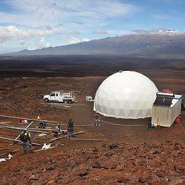 """""""Hi-Seas"""" (NASA nuotr.)/Marso kolonizatorius imituoančių žmonių būstas, kuriame jie gyvens vienerius metus"""