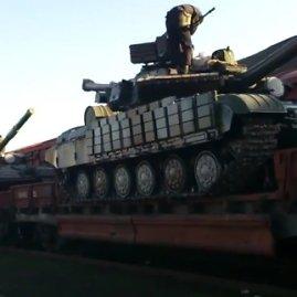 Kadras iš filmuotos medžiagos/Ukrainos šarvuočiai