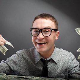 123RF nuotr./Vyras su pinigais