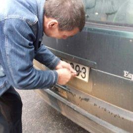 LKPT nuotr./Sulaikytas pažeidėjas geranoriškai pats nusisuko numerius