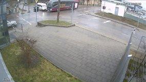 Panerių ir Algirdo g. sankryžoje susidūrė Lenkijos keleivinis autobusas ir mikroautobusas