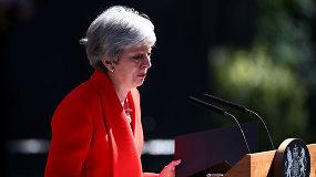 """Su ašaromis akyse Theresa May paskelbė atsistatydinanti: """"Padariau viską, ką galėjau"""""""