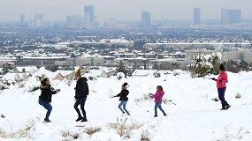Gyventojai dalijosi retu įvykiu mieste – pirmąkart per daugiau nei pusę amžiaus juos džiugino sniegas