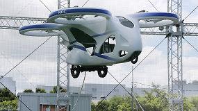 Fantastika virsta realybe: į orą sėkmingai pakilo skraidantis automobilis