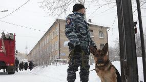 Konfliktas Rusijos mokykloje: peiliu sužalota 15 asmenų