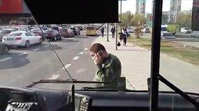 Konfliktas tarp vairuotojo ir kontrolieriaus Vilniaus autobuse