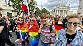 LGBTQ+ bendruomenė ragina atkreipti dėmesį: dažniausi smurtautojai – tėvai