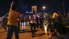 Perversmas Turkijoje: gyventojai išgirdo prezidentą ir išėjo į gatves