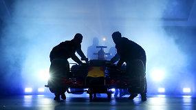 """""""Red Bull Racing"""" pristatė 2016-ųjų formulę"""